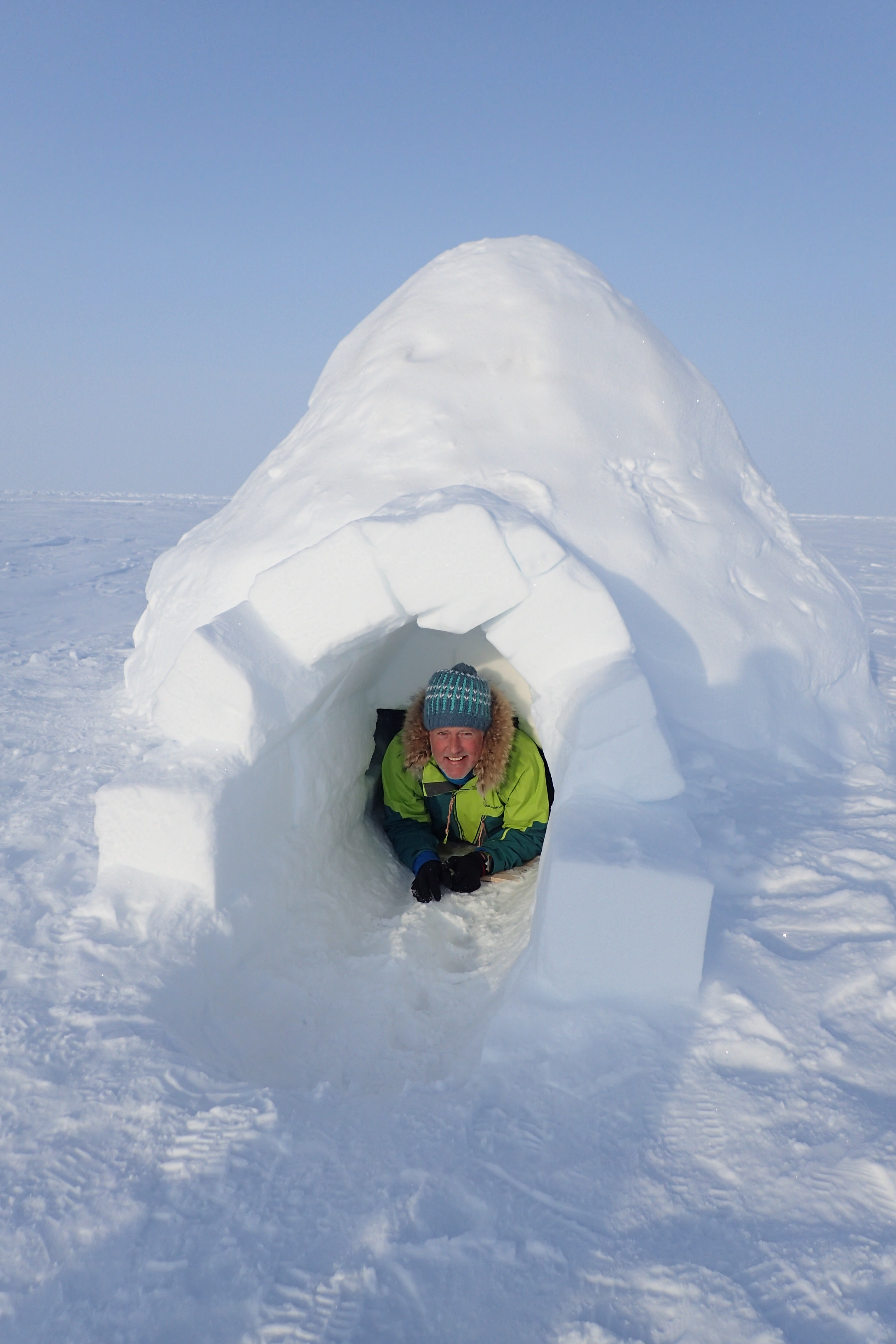Deluxe snow hole.